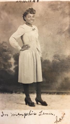 Lou Henry Taylor portrait taken in Memphis, December 1944